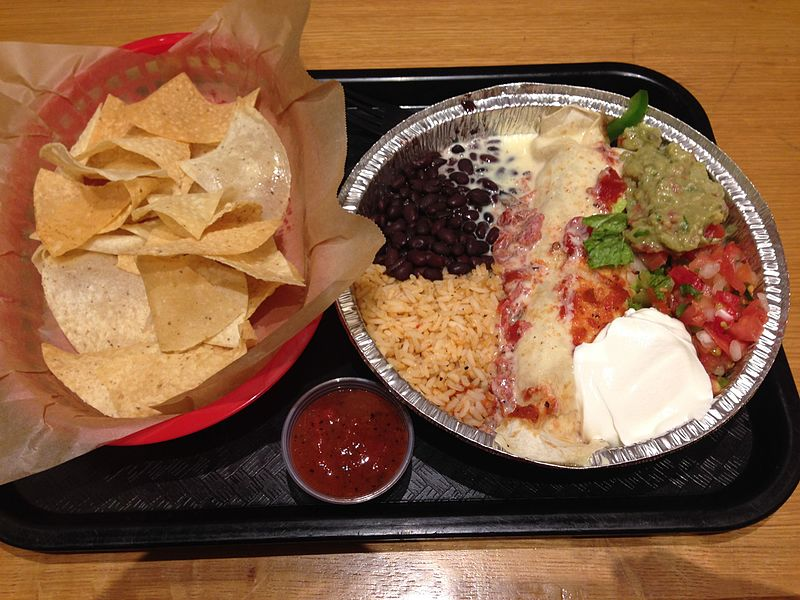 File:Baja Chicken Burrito with chips and salsa, Willy's Mexicana Grill, Brookhaven.JPG