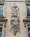 Bas-relief rue de l'Université, Paris 7e.jpg