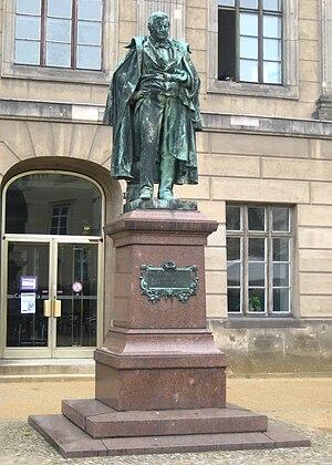 Eilhard Mitscherlich - Bronze statue of Mitscherlich at the Humboldt University of Berlin