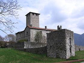 Il castello Suardi visto da est