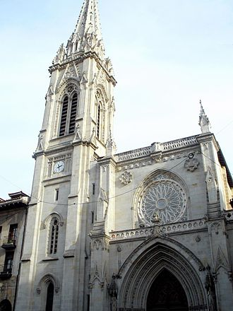 Bilbao Cathedral - The main facade and spire