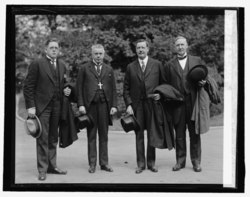 Bishop J.C. Petersen of Norway with ministers at W.H., 10-15-25 LCCN2016841130.tif