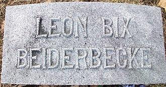 Bix Beiderbecke - Image: Bix Beiderbecke grave