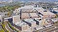 Blick auf das Koelnmesse Messegelände in Köln, Deutschland (48986472733).jpg