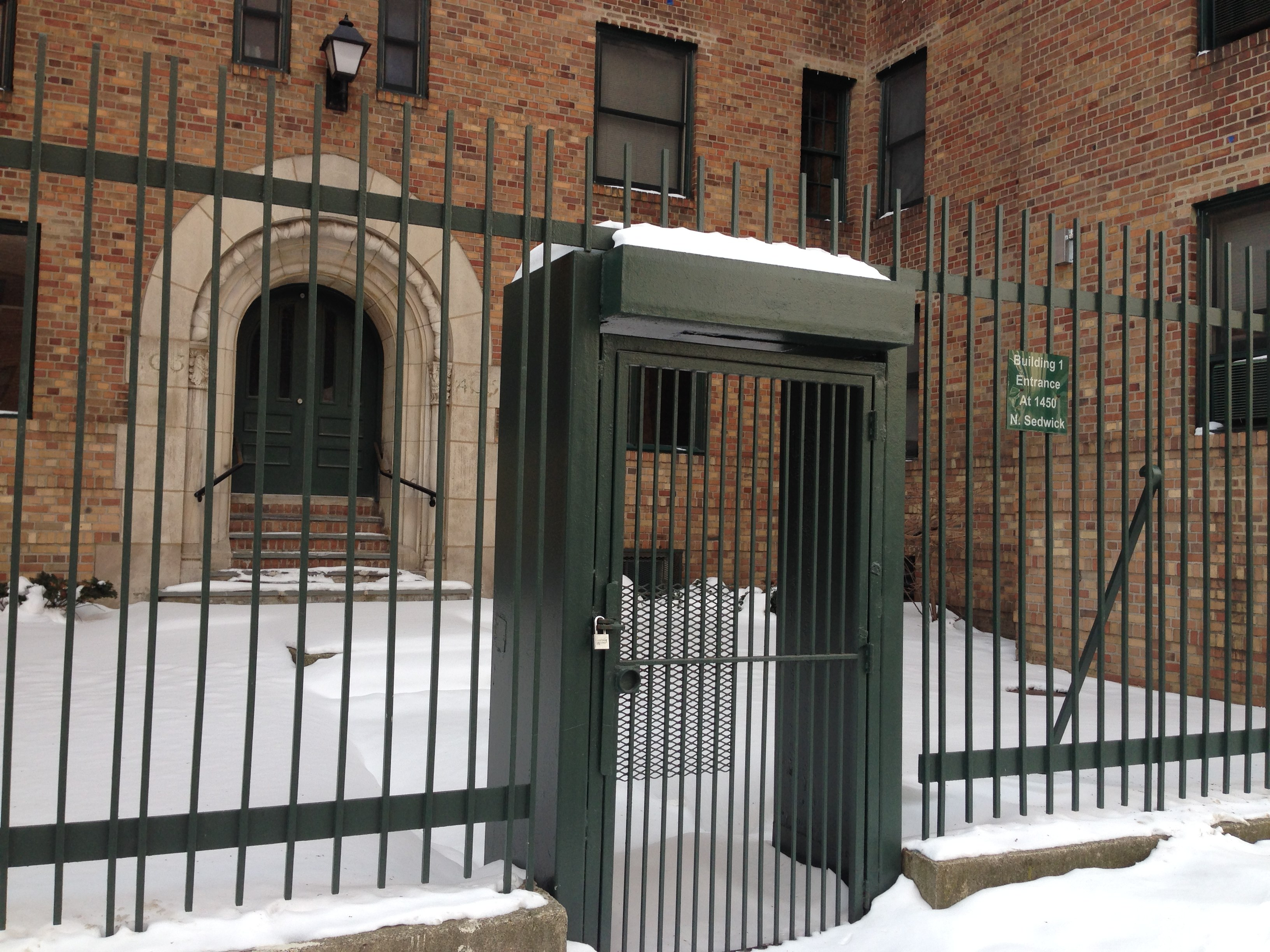File Blocked Entrance At Marshall Field Garden Apartments Jpg