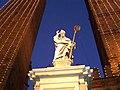 Bologna-statua di san petronio a natale.jpg
