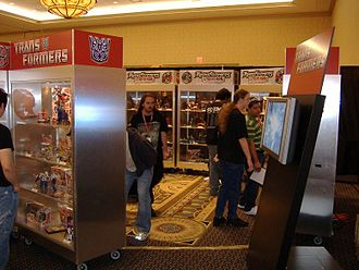 BotCon - Display cases for upcoming Transformers at BotCon 2006