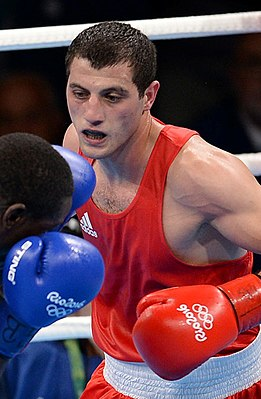 Boxing at the 2016 Summer Olympics, Baghirov vs Cissokho 3 (cropped).jpg
