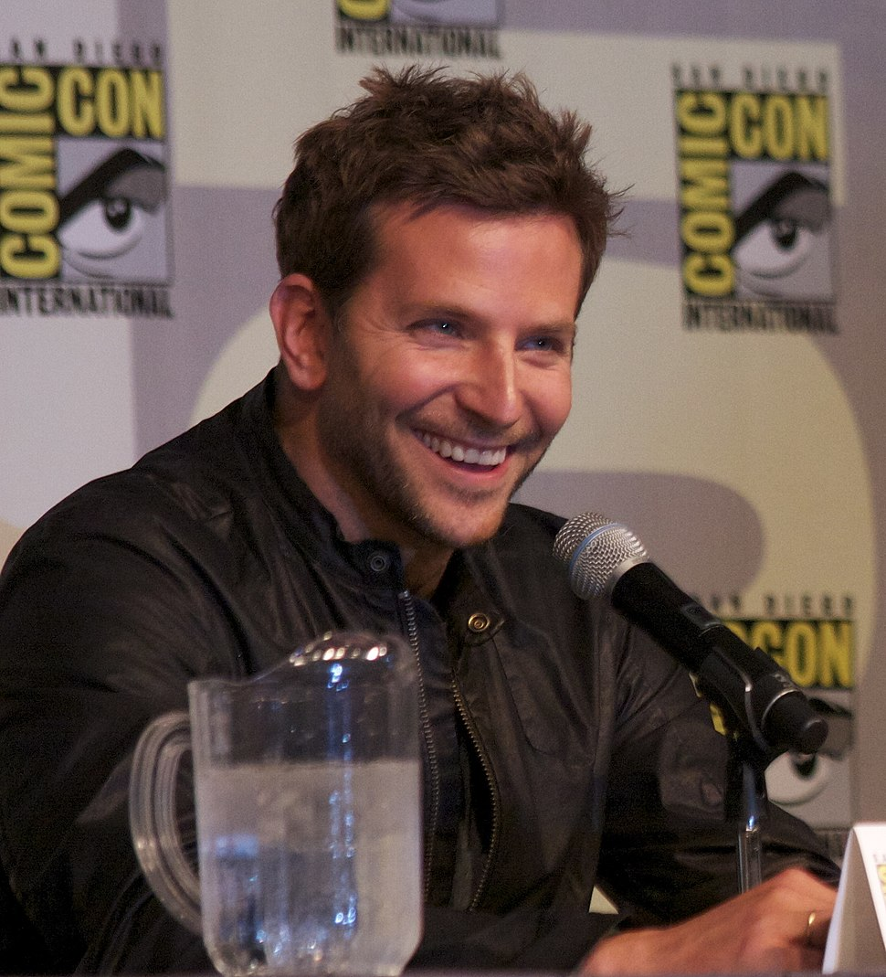 Bradley Cooper and Alex Proyas at SDCC 2011 (5967418430) (cropped)