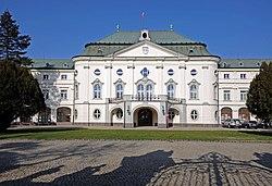 Bratislava, Letný arcibiskupský palác, Slovensko.jpg