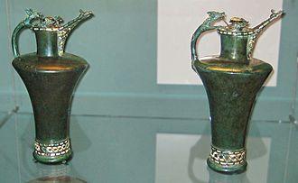 Basse Yutz Flagons - Image: British Museum Basse Yutz flagons (1)