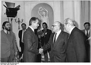 Bundesarchiv Bild 183-1986-0226-334, Bonn, Bes...