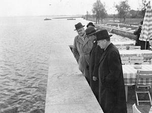 Herbert von Dirksen - At the Chiemsee during the Bergsgarden summit, 15 September 1938. In the foreground from left to right Herbert von Dirksen, Neville Chamberlain and Joachim von Ribbentrop.