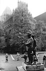 Bundesarchiv Bild 183-N1017-300, Berlin, Denkmal Heinrich Zille.jpg