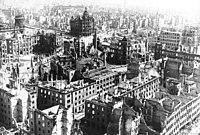 Udsigt ud over Dresden efter bombardementet