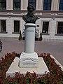 Bust of Lajos Kossuth by István Szabó Jr., Kossuth Square, 2017 Hatvan.jpg