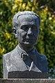 Busto de Castelao. José Escudero Couceiro. Rianxo. Galiza 2013-2.jpg