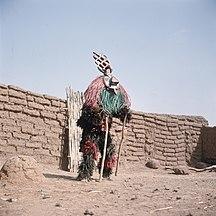 Burkina Faso-Culture-COLLECTIE TROPENMUSEUM Een Nunuma of Winiama maskerdanser TMnr 20031569