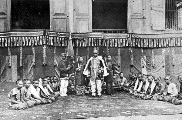Sultan Aji Muhammad Sulaiman dan pengiringnya
