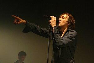 Cali (singer) - Cali in concert, in Paris in 2008.