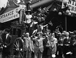 California delegates cheering on stagecoach at the 1912 Republican National Convention held at the Chicago Coliseum, Chicago, Illinois, June 18-22, 1912 (cropped1).jpg