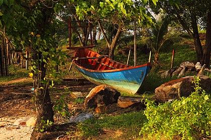 Cambodian boat.jpg
