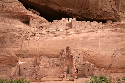 White House Ruin at Canyon de Chelly National Monument Canyon de Chelly White House Ruin Close View 2006 09 07.jpg