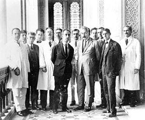 Carlos Chagas - Carlos Chagas and Oswaldo Cruz Institute team receiving Albert Einstein in 1925.