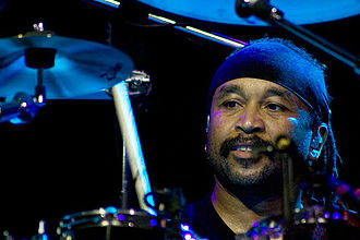 Carter Beauford - Beauford performing in 2008