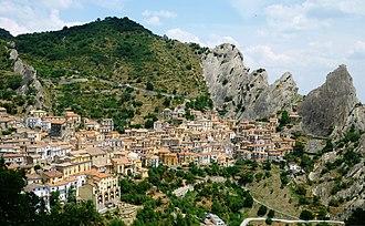 Castelmezzano - Image: Castelmezzano Province of Potenza, Italy 3 July 2010