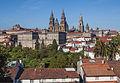 Catedral e parte traseira do Pazo de Raxoi. Santiago de Compostela. Galiza 2013-3.jpg