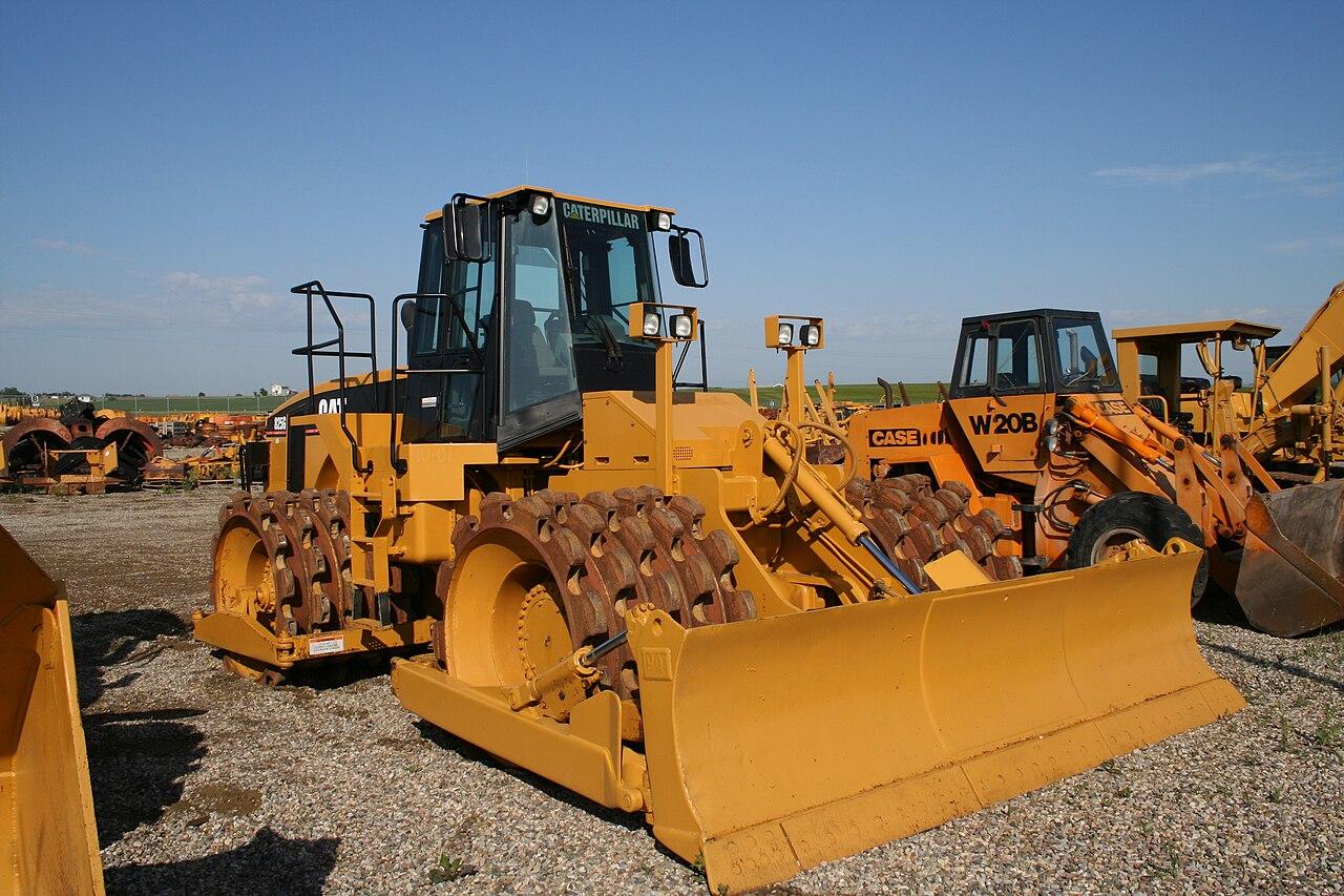 Caterpillar 825G Soil Compactor.jpg