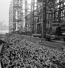 Cecil Beaton Photographs- Tyneside Shipyards, 1943 DB41.jpg