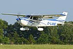 Cessna F.172N Skyhawk 'G-LANE' (33742057950).jpg
