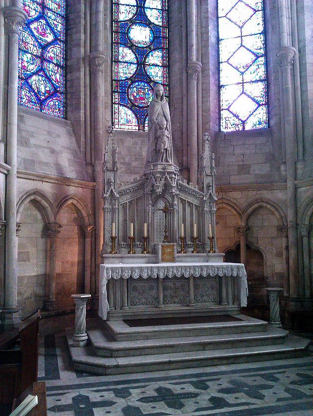 Bon Dimanche 640px-Chapelles_absidiales_-_Cath%C3%A9drale_de_Troyes