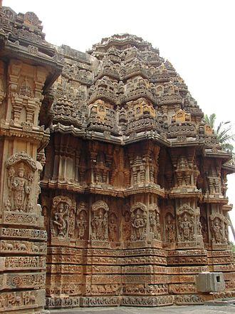 Chennakeshava Temple, Aralaguppe - Image: Chennakeshava Temple at Aralaguppe(stellate shrine wall)