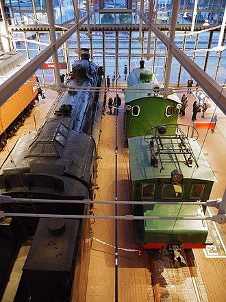 Russian locomotive class FD - Image: Class FD20 Soviet locomotive and Fireless Locomotive No 9305 Russian Railway Museum