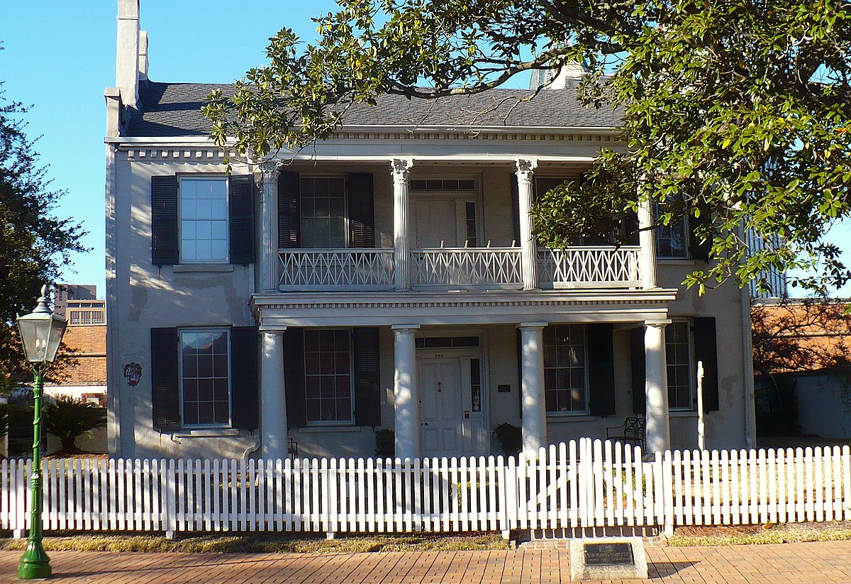 Conde charlotte house wikipedia for The charlotte house