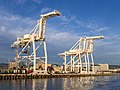 Container cranes in Oakland Inner Harbor (91560).jpg