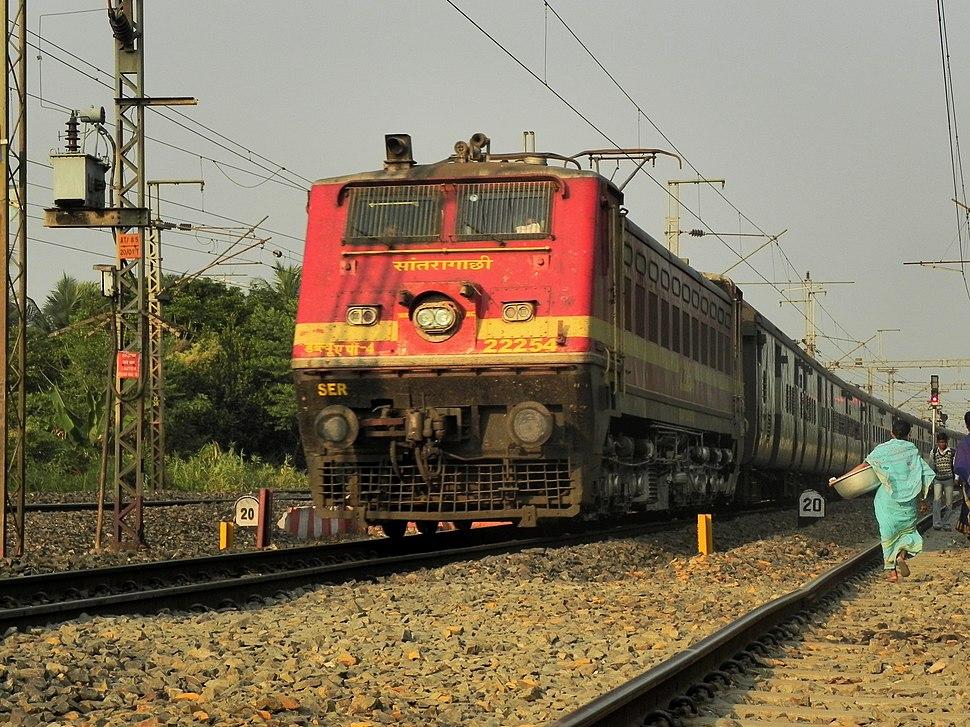 Coromandel Express with WAP-4 Loco at Nalpur