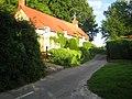 Cottages, Lower Mooray near Chilmark - geograph.org.uk - 889715.jpg