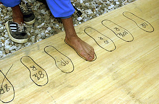 Shoe size Measurement scale indicating the fitting size of a shoe