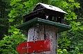 Die kleine Hütte auf dem Špik Wegweiser (48433724537).jpg