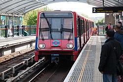 Docklands Light Railway 75 (13916402299).jpg