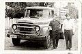 Doi bărbați Autocamion Steagul Roșu SR 131 Carpați (12652047143).jpg