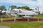 Douglas A-4L Skyhawk '149532 - 9532 - AF-401' (29686563672).jpg
