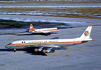 Aeroméxico - Aeronaves de Mexico Douglas DC-8 at Toronto Airport in 1971