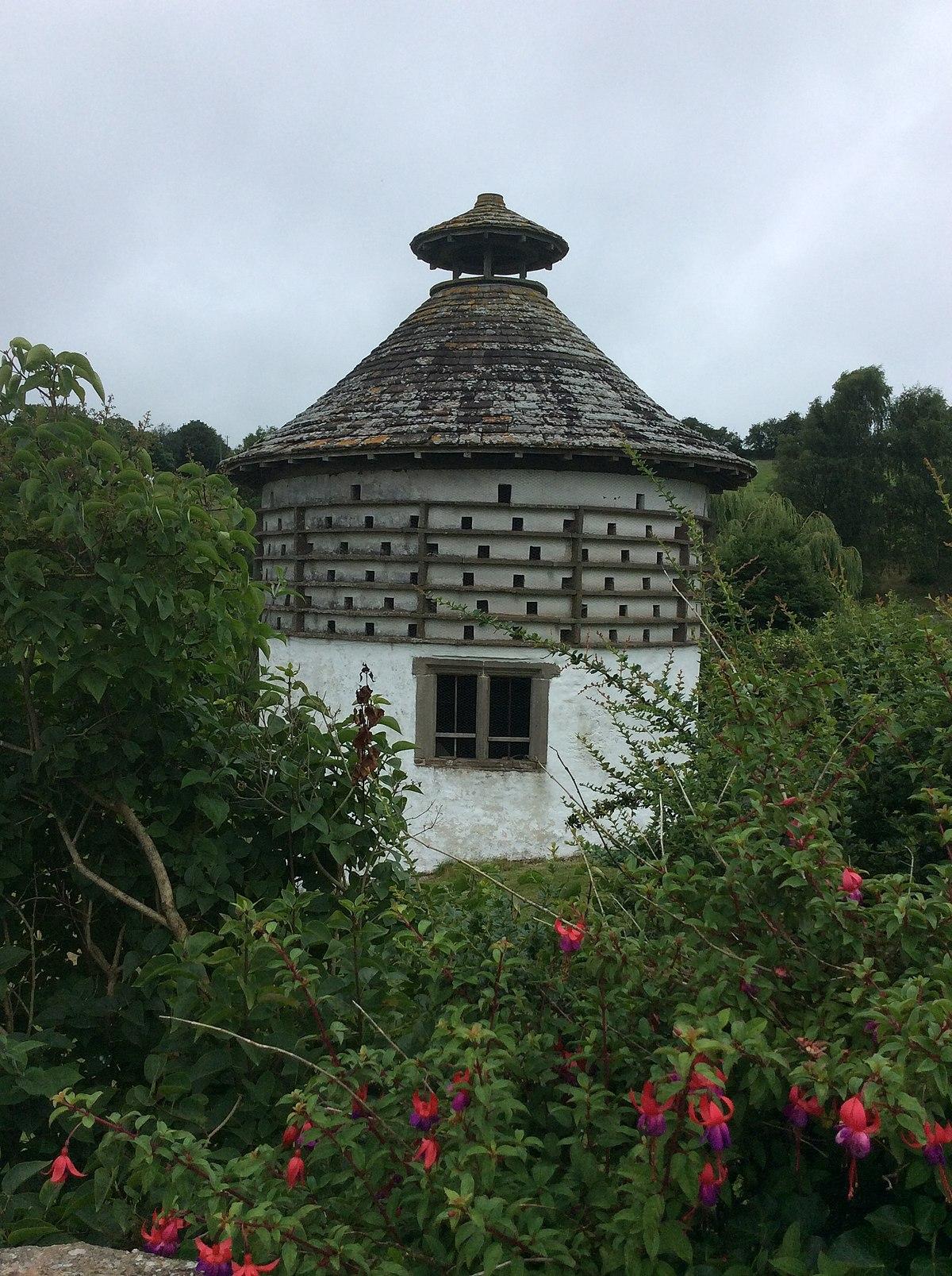 Hygga House Dovecote Trellech Wikipedia