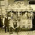 Draaiorgel de Vijf Beelden kast by Gasparini, owned by Gebroeders (c.1910).jpg