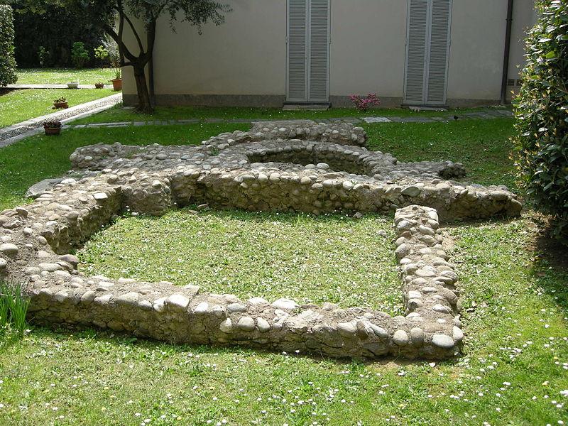 Duomo di monza, retro, scavi 0.JPG